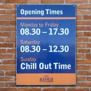 kings-signage-in-hampshire